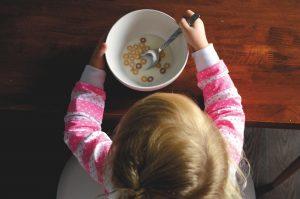 eating child